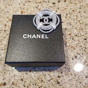 Chanel metal&strass brooch from new season